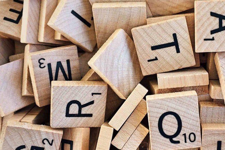 Scrabblesteine durcheinander