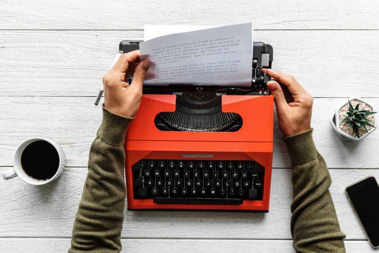 Rote Schreibmaschine